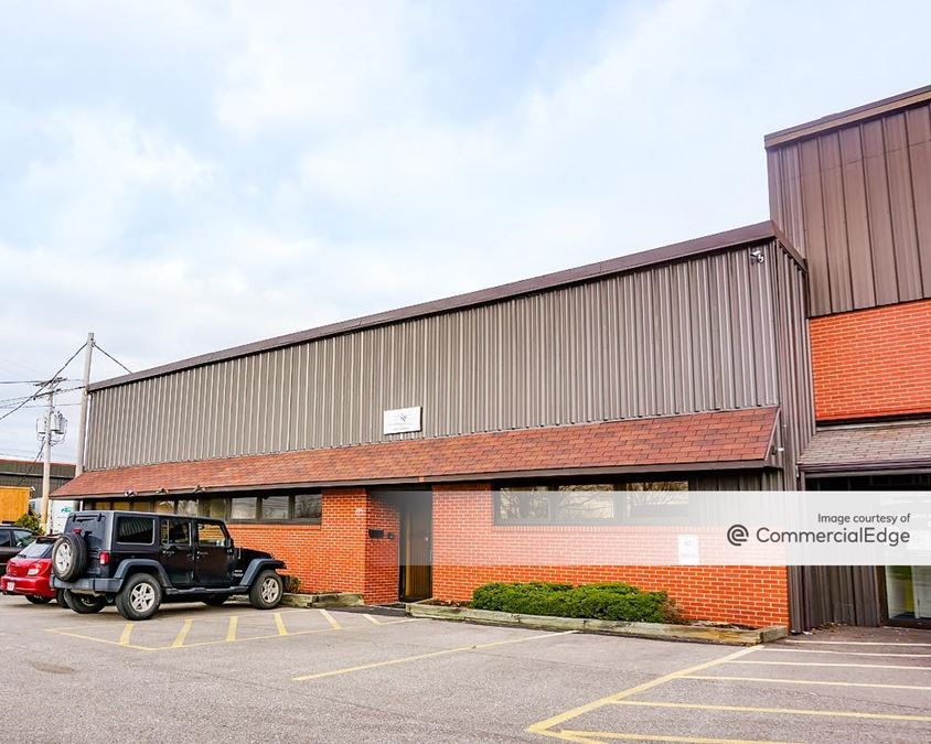 Clayton Lloyd Industrial Park