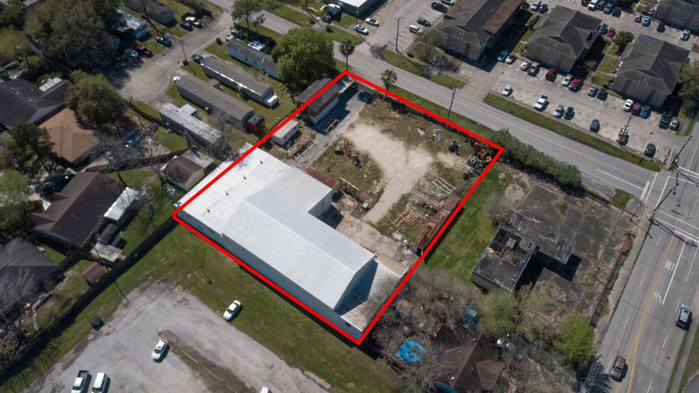 11,000+ SF Industrial Property For Sale