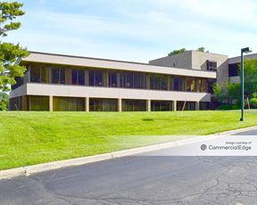 Bloomfield Office Center - 40701 Woodward Avenue