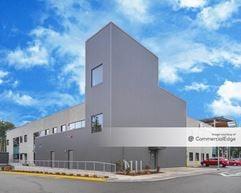 Group Health Puyallup Medical Center - Puyallup