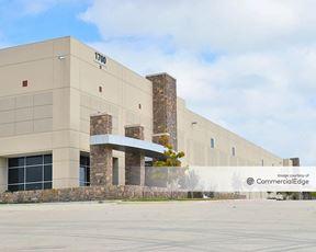 Lakeside Commerce Center - 1700 Lakeside Pkwy