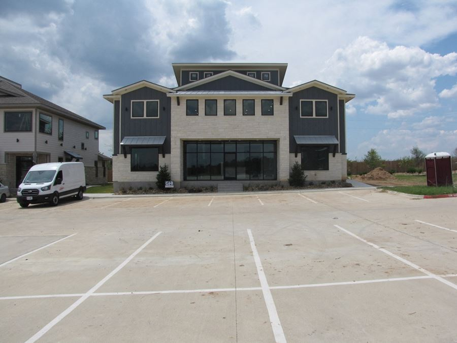 ± 5,000 SF   CityView Southwest   College Station, TX