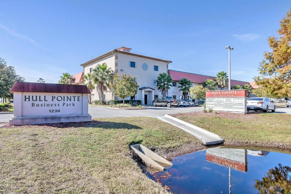 Clean Warehouse & Office in Ormond Beach-Hull Pointe