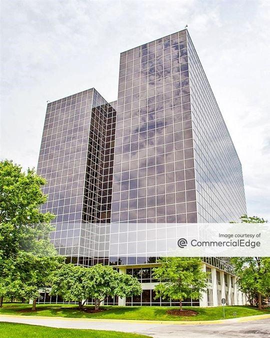 Schaumburg Corporate Center - 1515 East Woodfield Road