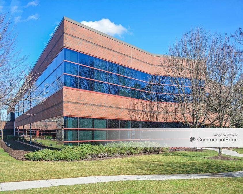 Innsbrook Corporate Center - Lake Brook Commons