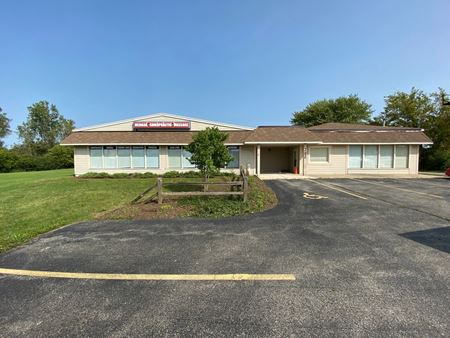 Free Standing Retail / Office - McHenry