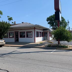 Former Schoops Restaurant