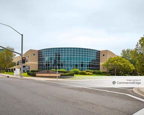 Spectrum Pointe - 2 South Pointe Drive - Lake Forest