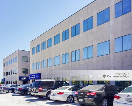 Woodlake Medical Center - West Hills