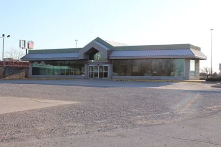 Retail Space with 1.07 acres - Fort Wayne
