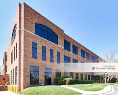 Mendenhall Oaks Business Park - Aetna Building - High Point