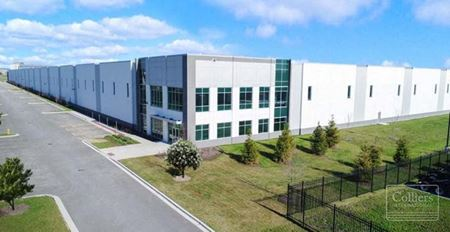 56,368 SF Remain Available for Lease in Bolingbrook - Bolingbrook