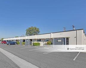 1534 East Chestnut Avenue - Santa Ana