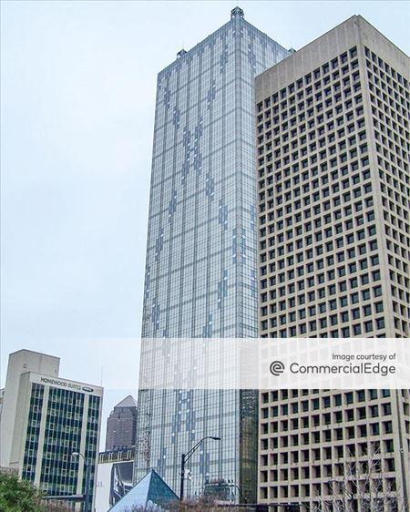 Renaissance Tower - Dallas