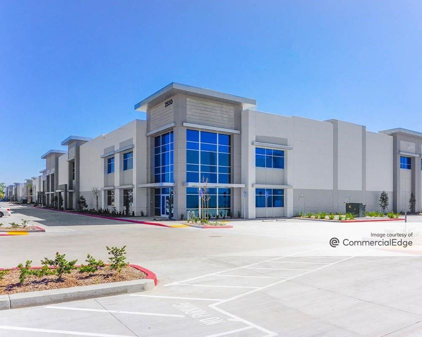 Colony Commerce Center - Buildings 1 - 5