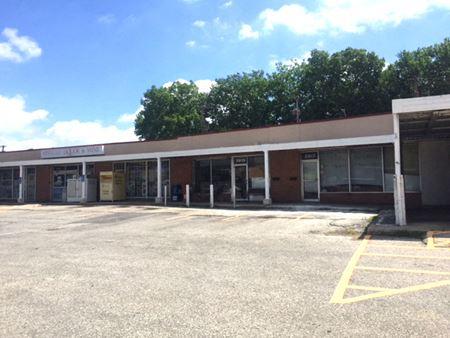 5901-5923 Nieman Rd - Shawnee