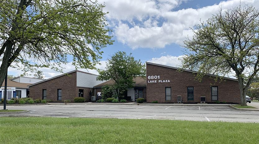 Lake Plaza Business Center