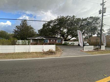 4222 Creighton Rd - Pensacola