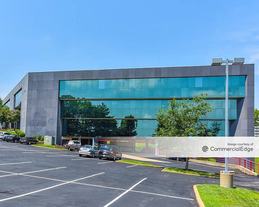 Craigshire Plaza Office Center