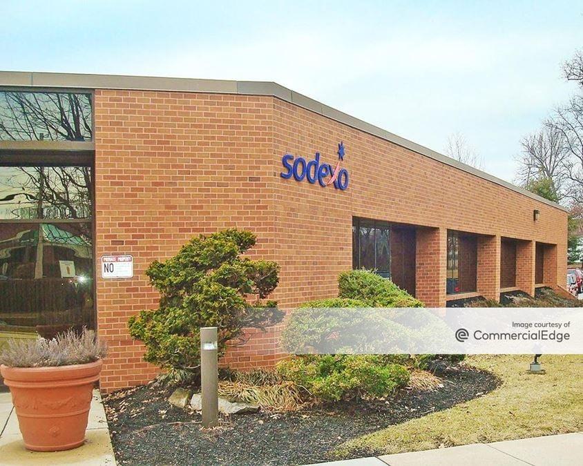Wood Corporate Campus - 6081 Hamilton Blvd