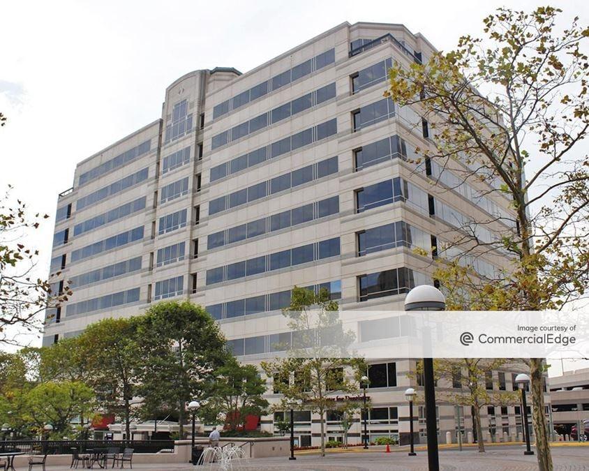 Plaza America Tower 1
