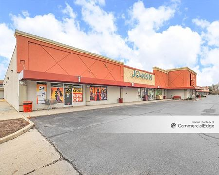 Lapeer Shopping Center - Lapeer