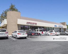 Riverhill Plaza