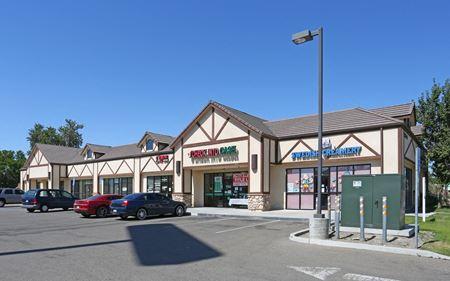Newer Retail Strip Center: Shop & Restaurant Spaces - Kingsburg