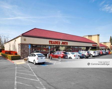 Quail Pointe Shopping Center - Fair Oaks