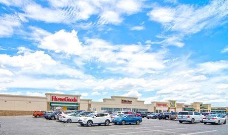 Woodhill Circle Plaza - Lexington