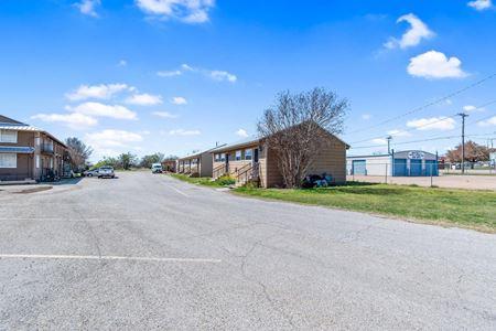 4244 Burkburnett Rd - Wichita Falls