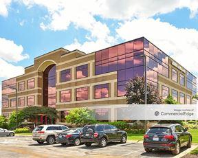 Interlake Corporate Center