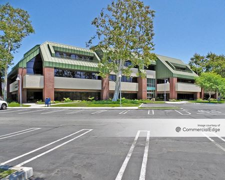 Skypark Medical & Office Center - Building 10 - Torrance