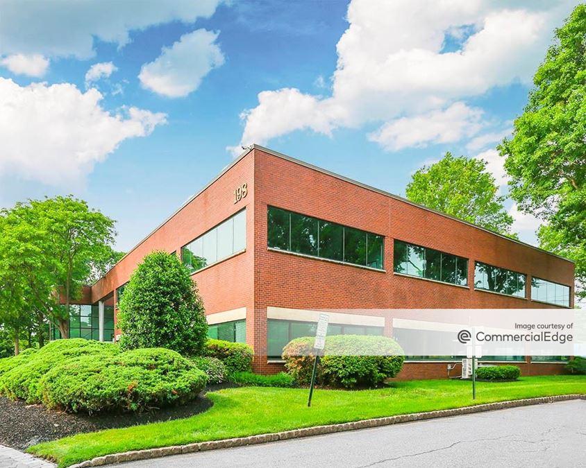 Justin Corporate Center I
