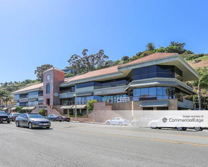 Malibu Plaza