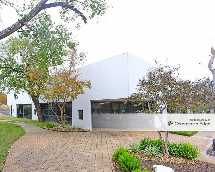 Cross Creek Business Center