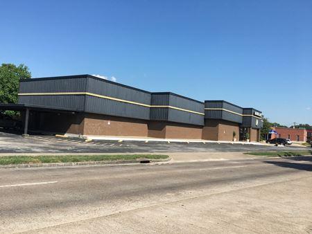 8600 Hillcroft Avenue - Houston