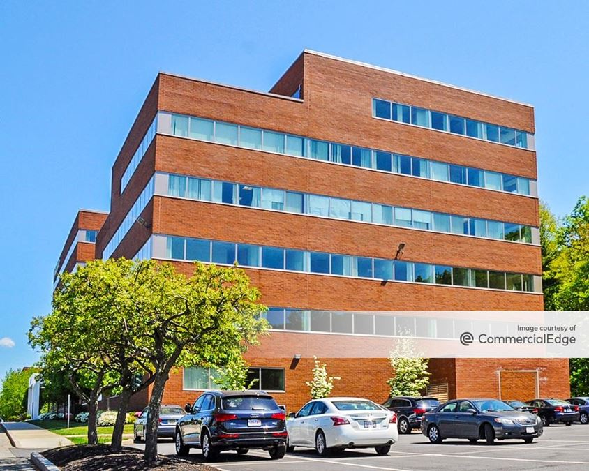 Fifth Avenue at Citypoint - 300 5th Avenue