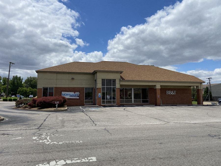 Former Bank Branch at Wesleyan Park Plaza