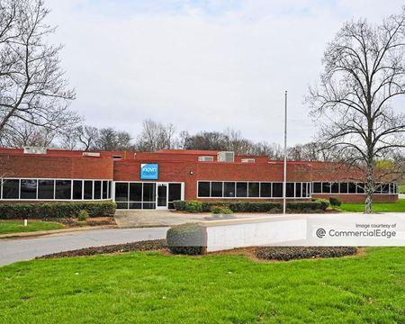 636 Grassmere Park - Nashville