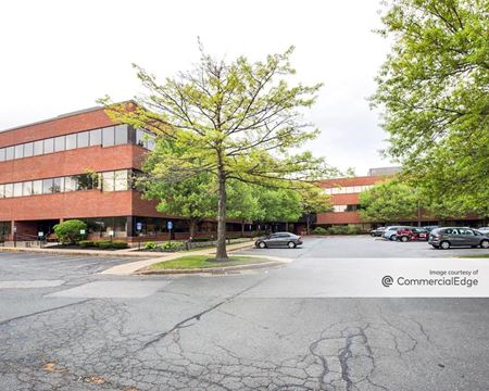 Wellington Business Center I - Medford