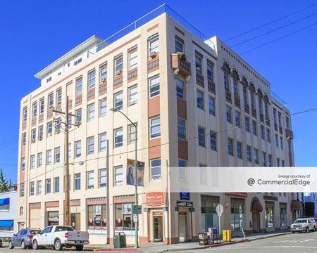 Pill Hill Medical Building - Oakland