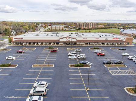 Hawley Commons Shopping Center - Mundelein