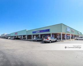 Bayonet Square Shopping Center