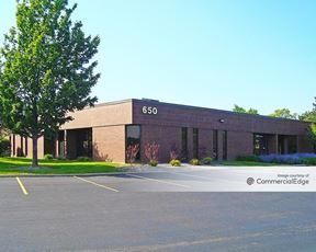Hamilton Lakes Business Park - 650 Devon Avenue