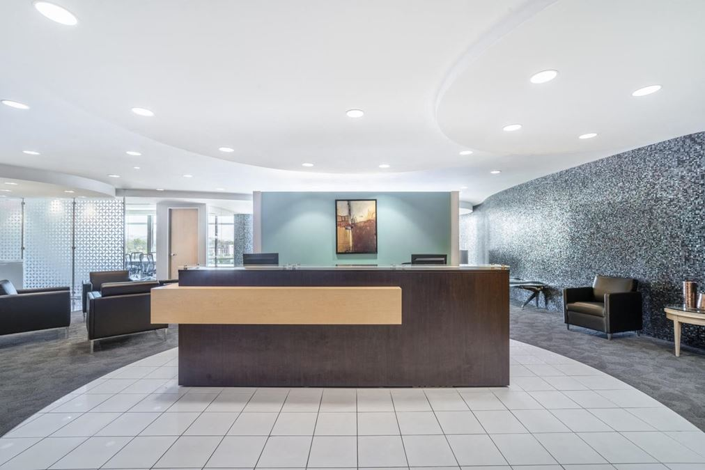 Regus | 24th and Camelback