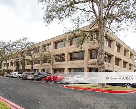 West Memorial Park - 8554, 8556 & 8558 Katy Fwy - Houston