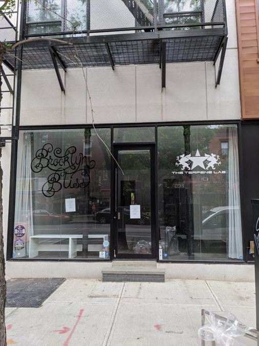 1048 Manhattan Ave