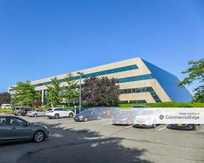Gateway Executive Mall - Woodbury
