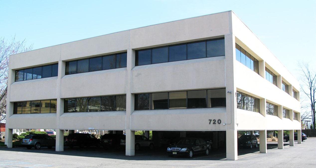 720 East Palisade Avenue